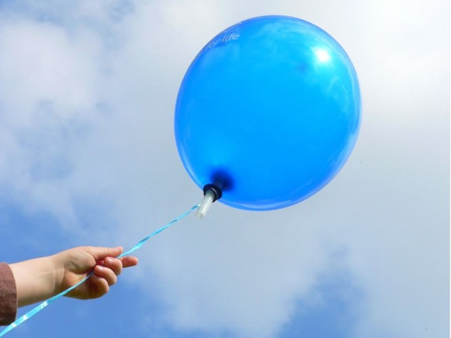blue-balloon