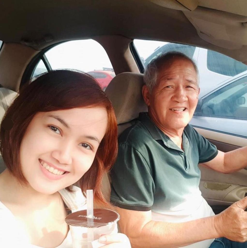 With my dad & my milk tea